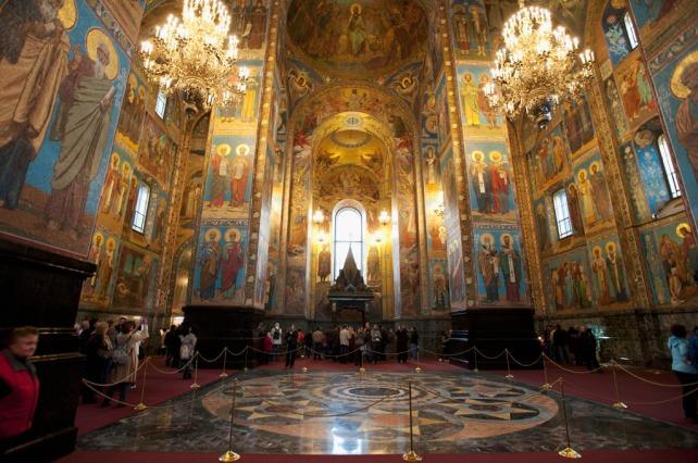 整間教堂內部都有壁畫