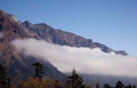 到達第四號營地天色已轉晴,仍看到一片美麗的雲海