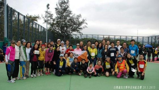 HKOC的會員在比賽前來張大合照
