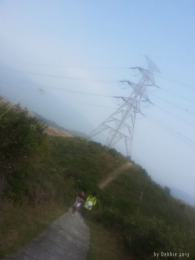 經山上的電塔