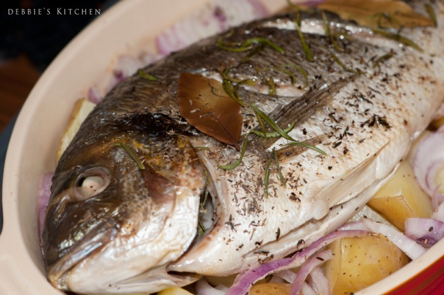 Grilled Whole Sea Bream  香草烤鯛魚