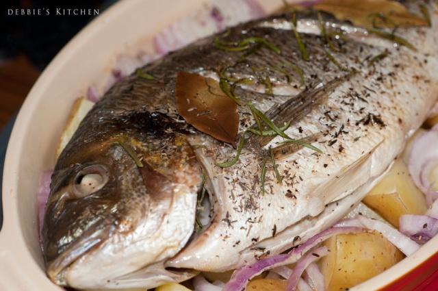 Grilled Whole Sea Bream  香草烤鯛魚