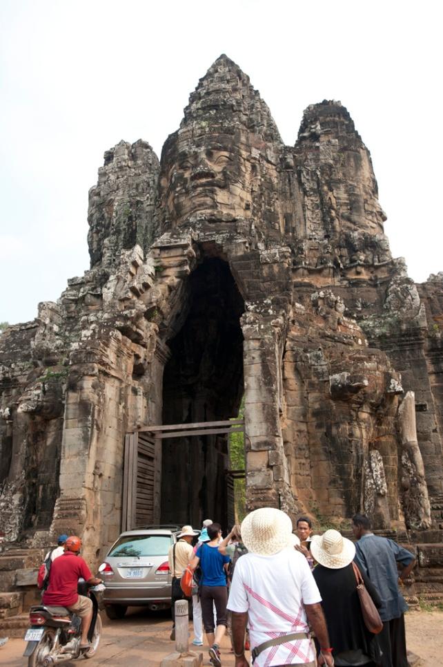 高23米的南大門 South Gate