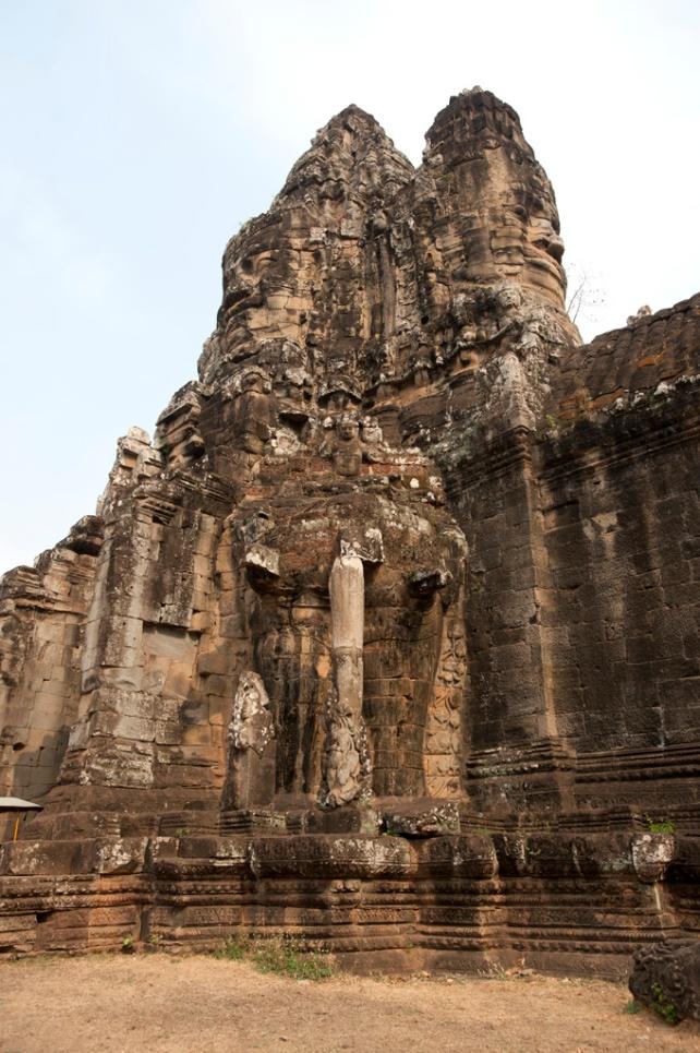 南大門 South Gate東西南北四面都有佛像雕刻