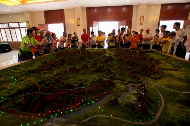 丹霞山世界地質公園博物館內看縮影