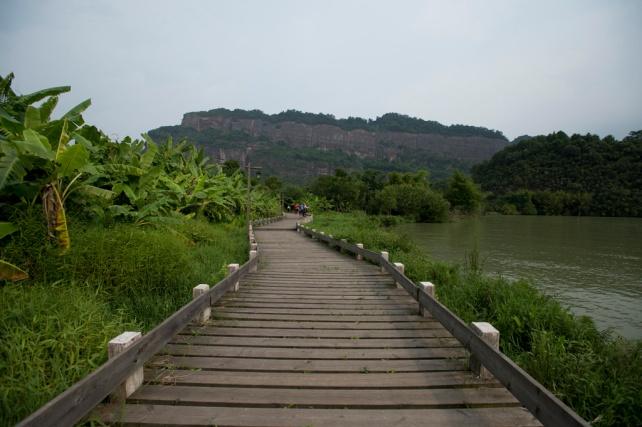 地質公園內,前面是長老峰景區