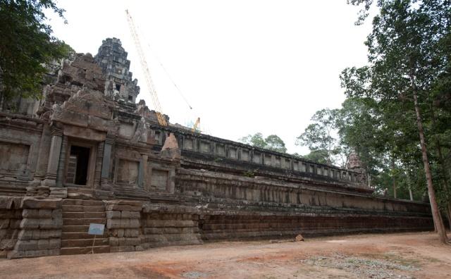 Ta Keo 塔高寺的石牆