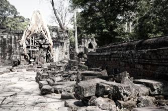 如同廢墟的聖劍寺