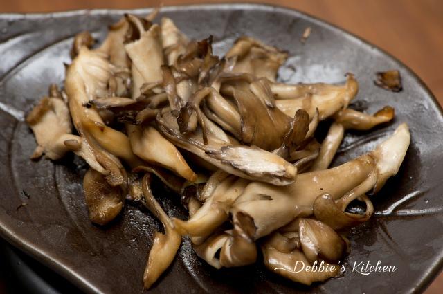 也可用牛油炒舞茸菇