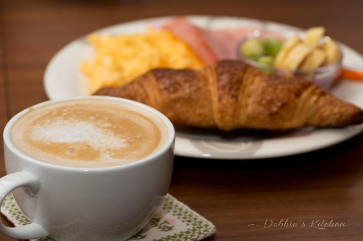 Breakfast with latte