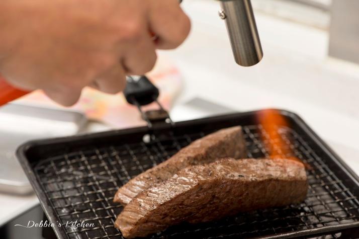 ステーキ肉の炙り 炙燒牛排