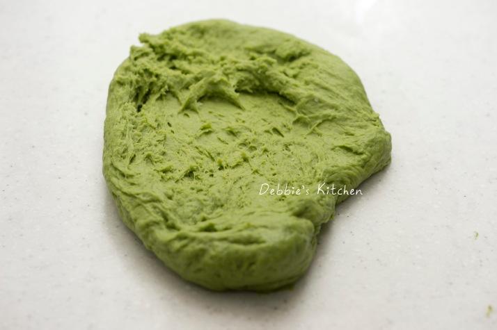 搓揉至麵糰形成薄膜