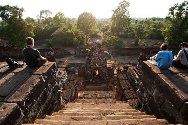 從這梯級走上去平台看日落
