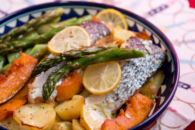 Baked Salmon with vegetables 焗三文魚