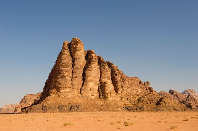 智慧的七柱(Seven Pillars of Wisdom),是以阿拉伯的勞倫斯在阿拉伯的經歷所著的自傳