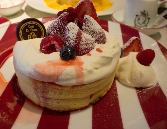 Mixed Berries French Pancake